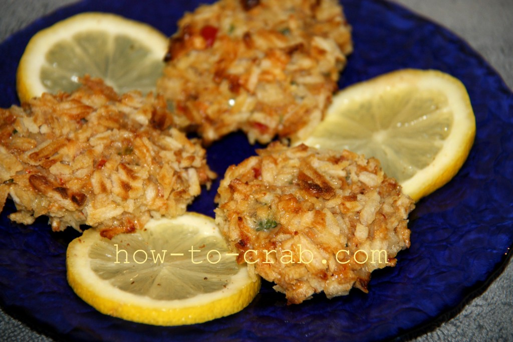 Potato chip crusted crab cakes with lemon
